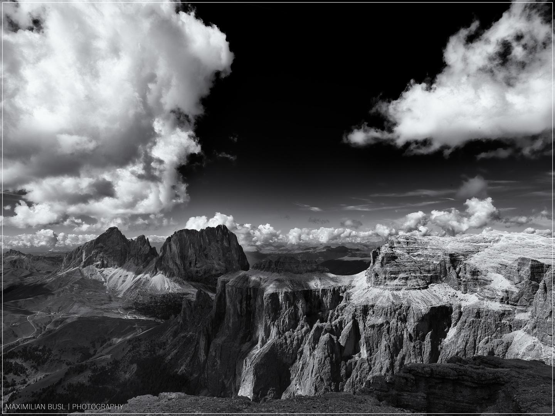 Schwarzweiße Dolomiten