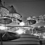 Schwarzweißer Freitag - Deck 9 bei Nacht