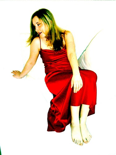 Schwebende Jungfrau in Rot(Edda)