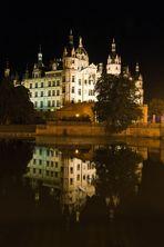 Schwerin Schloss bei Nacht