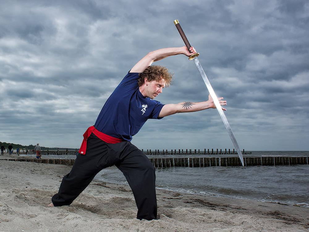 Schwertkampf am Strand