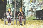 Schwestern im Herbst
