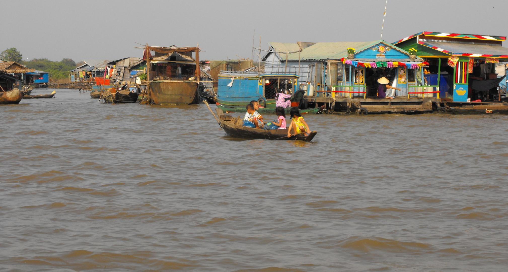 Schwimmendes Dorf auf dem Tonle Bati