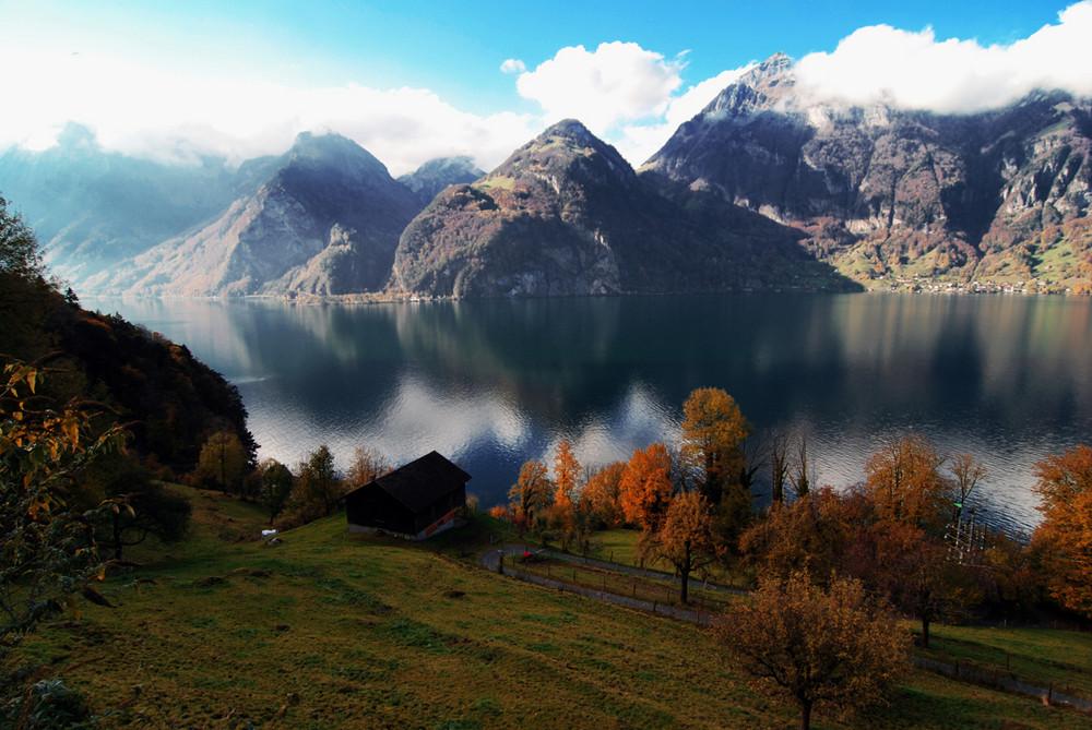 Scorcio dall 39 autostrada dei laghi svizzera foto for Disegni di laghi