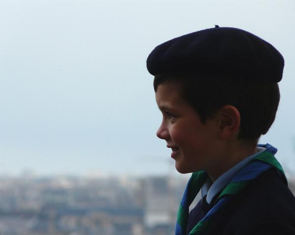 Scout à Montmartre.