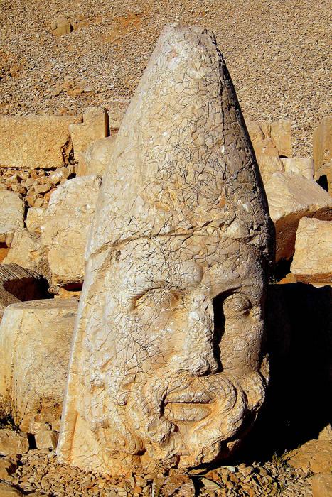 Sculpture on Mt. Nemrut :.: Steinkopf auf dem Nemrud