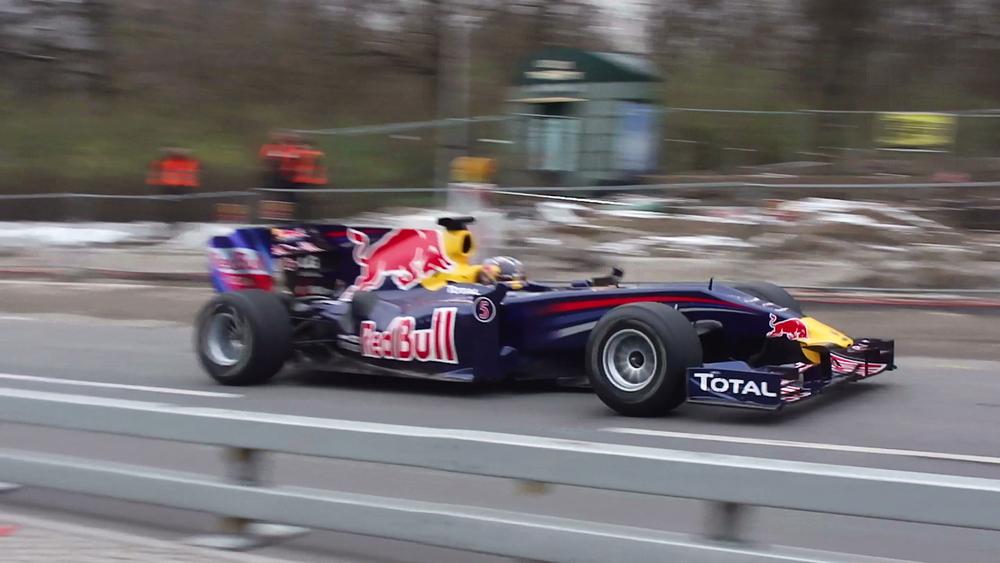 Sebastian Vettels Randy Mandy am Brandenburger Tor-Berlin!