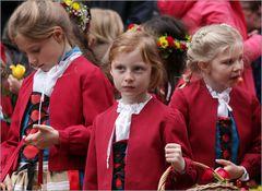 Sechseläuten: drei Mädchen