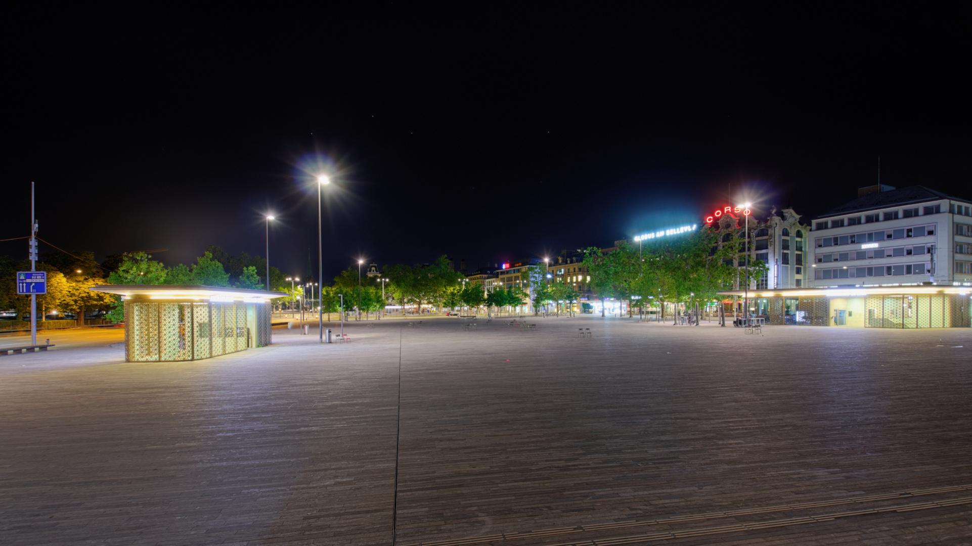Sechselaeutenplatz @ night