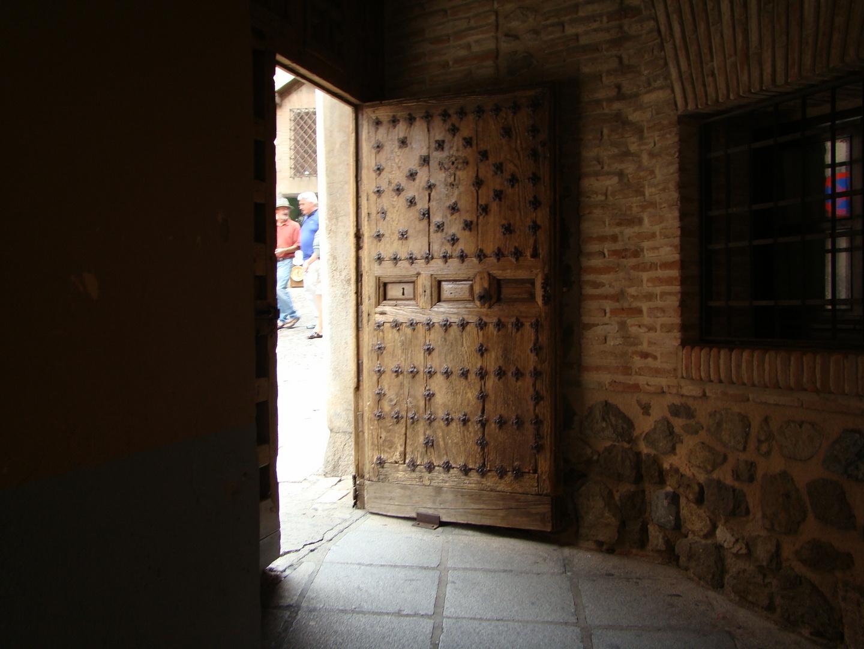 Secretos detras de la puerta