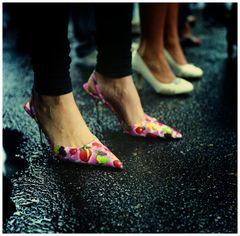 see the way she walks