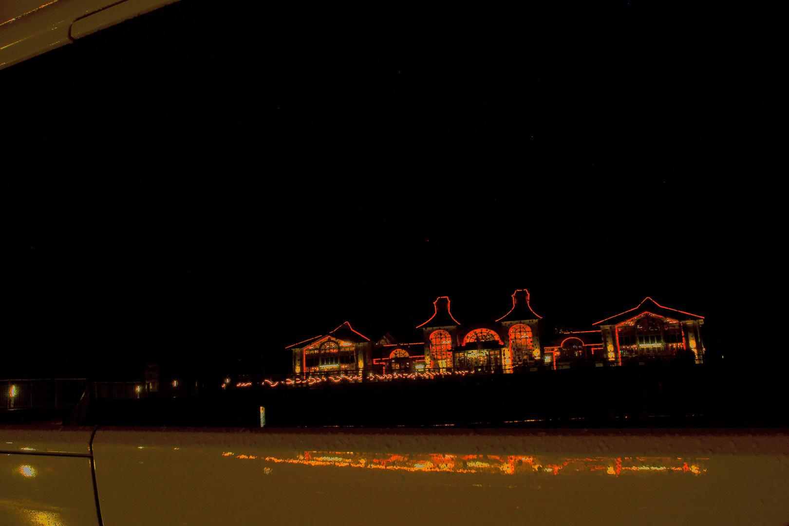 Seebrücke Selin bei Nacht (Spiegelung)