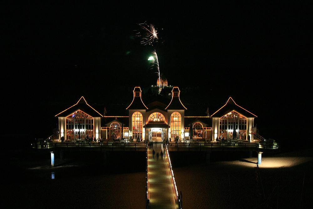 Seebrücke Sellin mit Feuerwerk