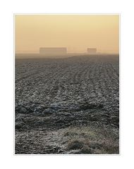 ... seen from Oranjedijk, (a foggy moment out of the picture diary of a resident)