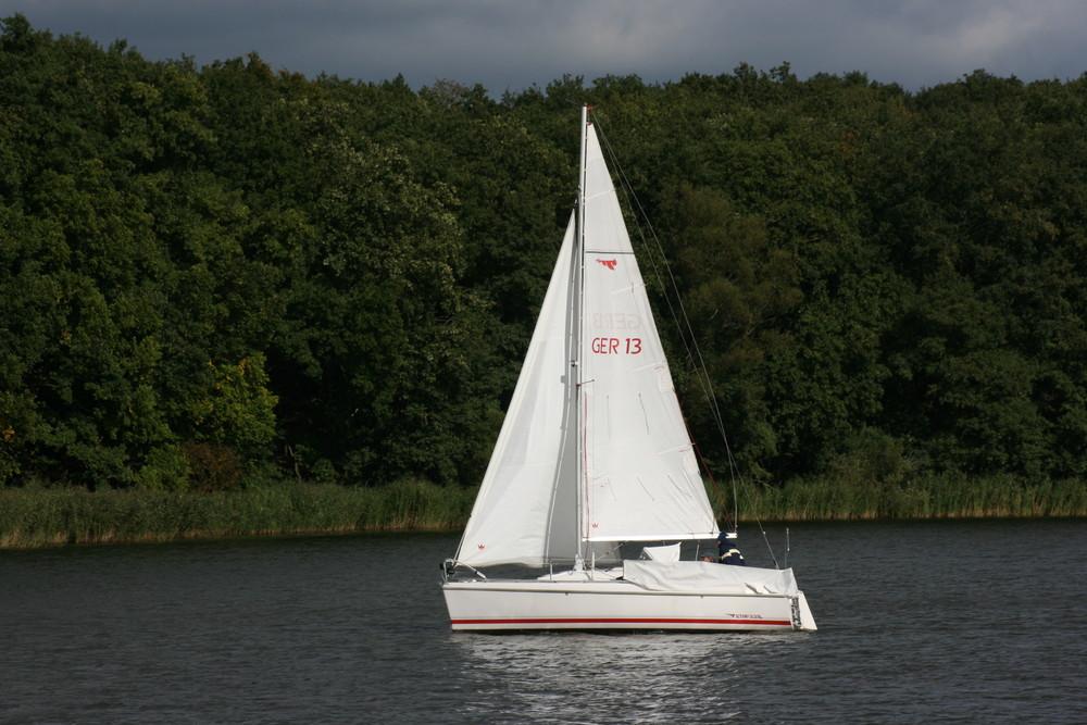 Segelboot auf den Potsdamer Seen