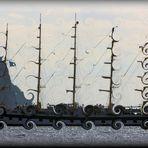 Segelboot in Wirbelwind ~ Meereswellen Flut...
