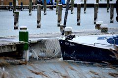 Segelerhafen Eiskalter Nordostwind