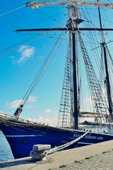 Segelschiff im Rostocker Hafen