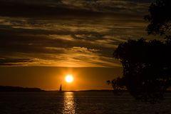 Segeltour in den Sonnenuntergang