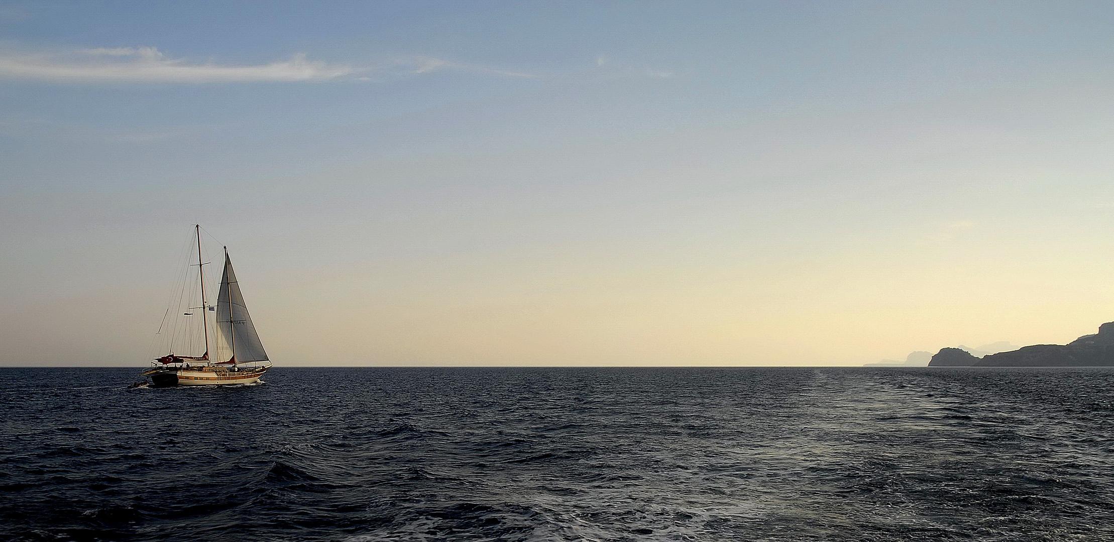 Segelyacht im Mittelmeer