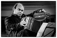 "Segio Fabian Carbonne plays the bandoneon - Band: ""Tango Fuego"""