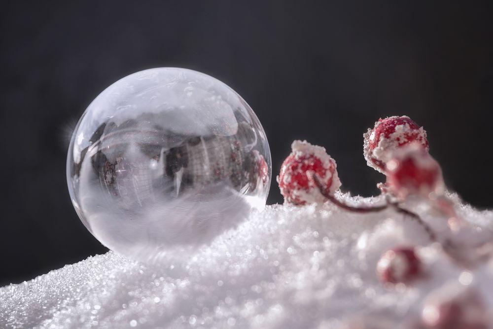 Seifenblase halb gefroren
