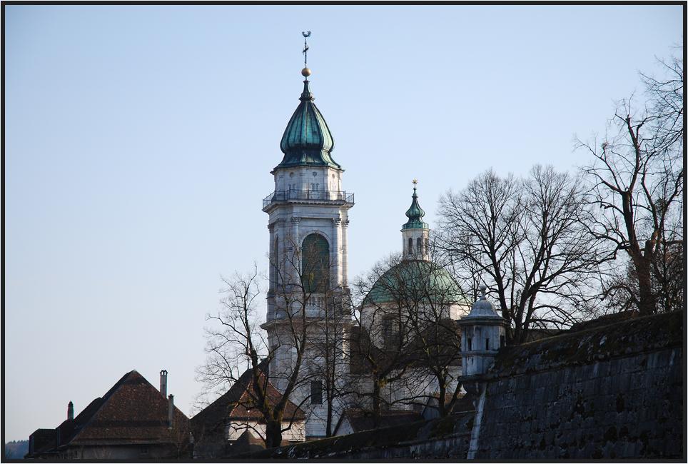 Seitenansicht der St. Ursen Kathedrale in Solothurn