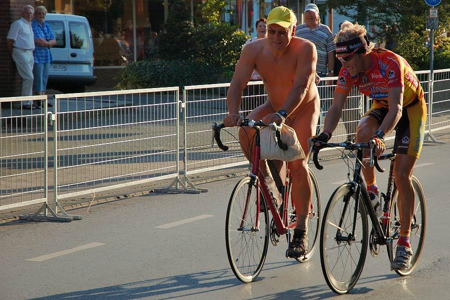 Sektion Radsport oder Akt ?