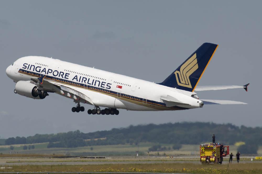 Selbst die Feuerwehr fotografiert den A380