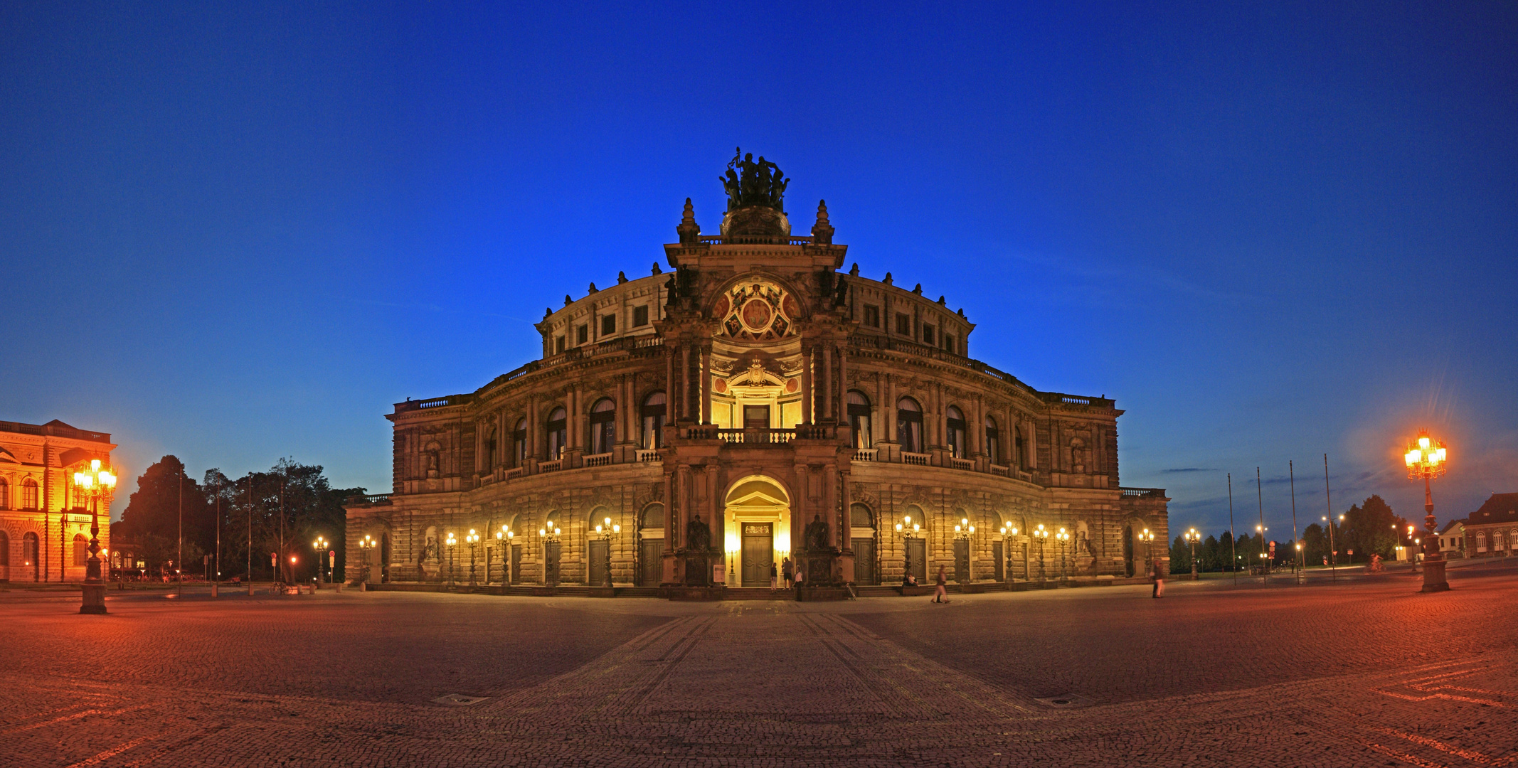 ~ Semperoper Dresden ~