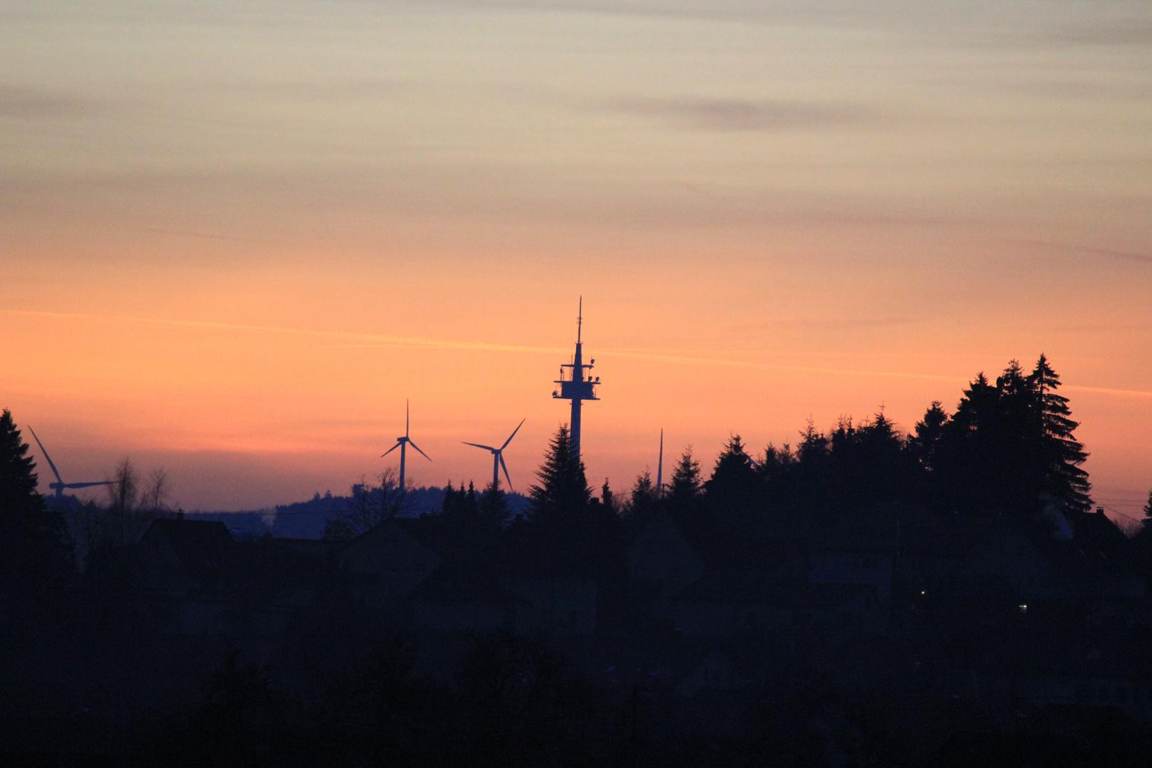 Sender im Abendlicht