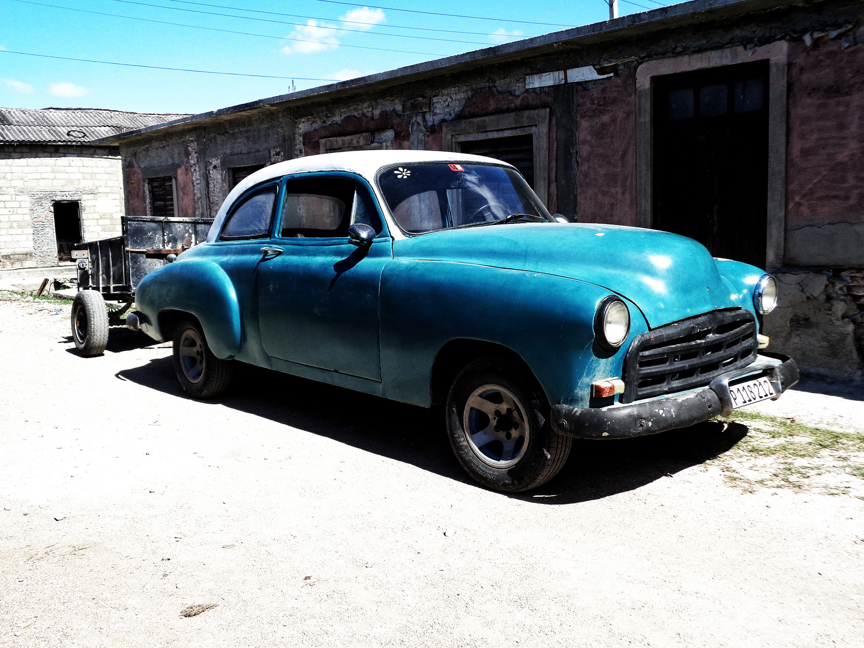 Serie Almendrones en Manzanillo