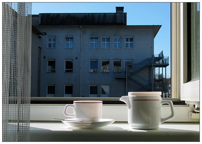 Serie: Insassenfotografie  B 1 Möchten Sie Kaffee?