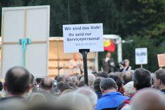 Servicepersonal - Stuttgart Park Montagsdemo 4.10