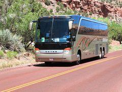 Setra Bus auf roten Wegen