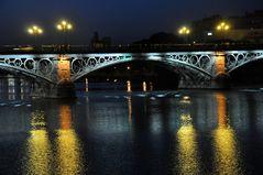 Sevilla . . La Puente de Triana