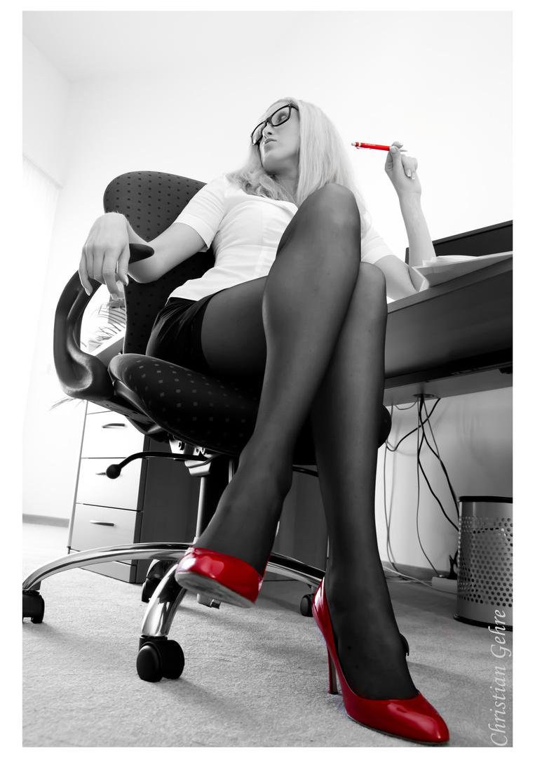 Büro sexy Lawsuit Alleges