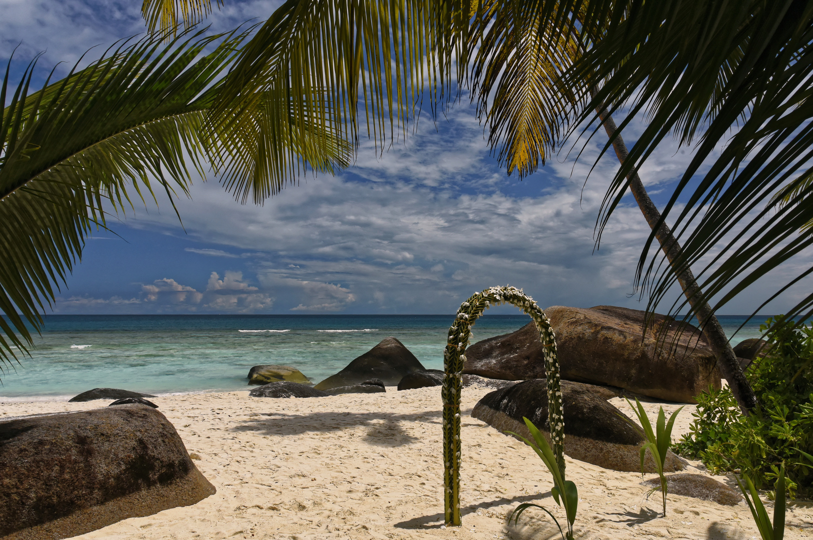 Seychelles - Robinson Crusoe Feeling - Silhuette Island