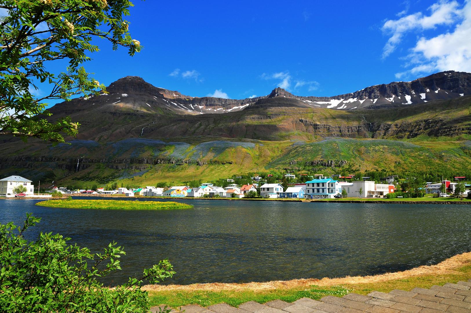 Seyðisfjörður - der vielleicht schönste Ort der Ostfjorde (5.7.2012)