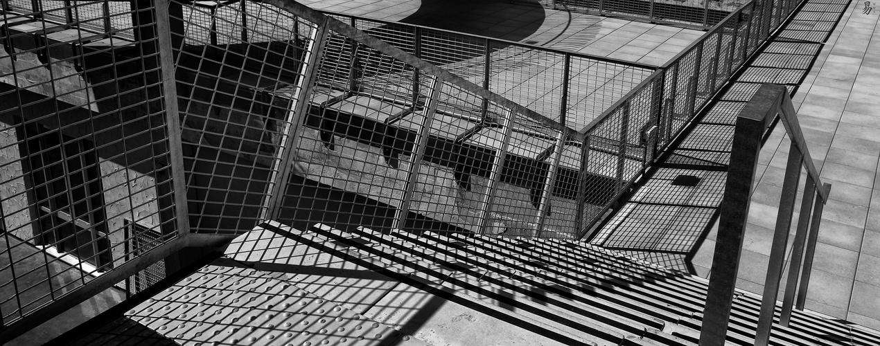 shades & gates
