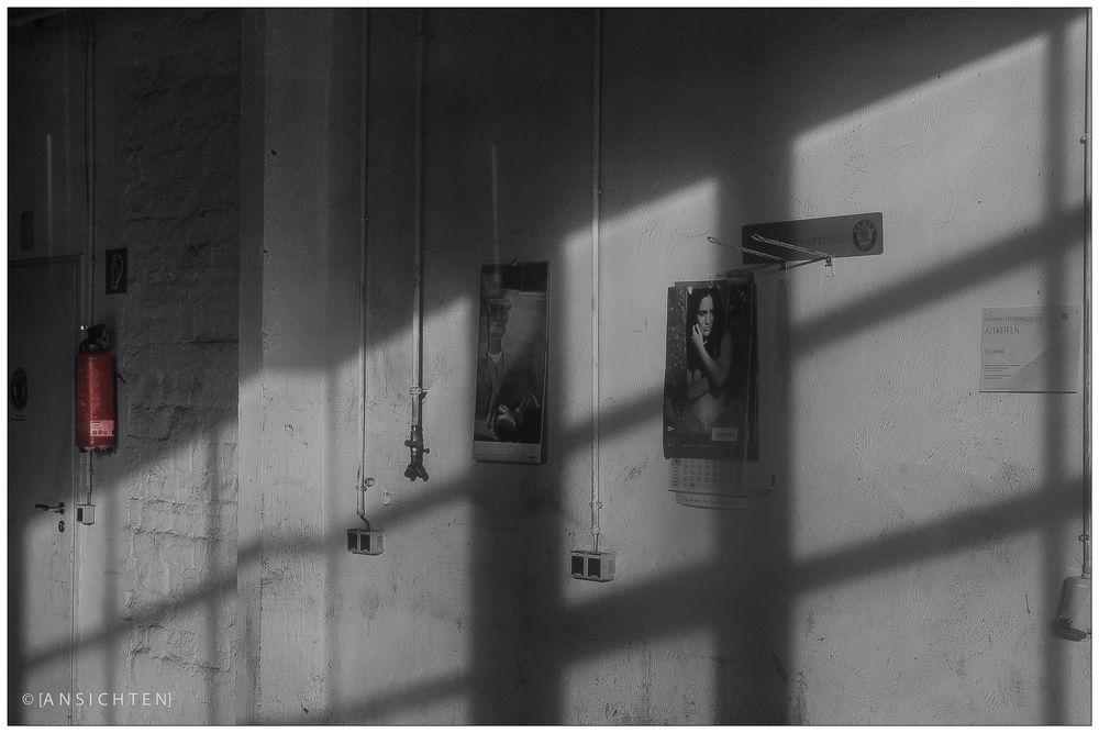 [shadows on the wall sw]