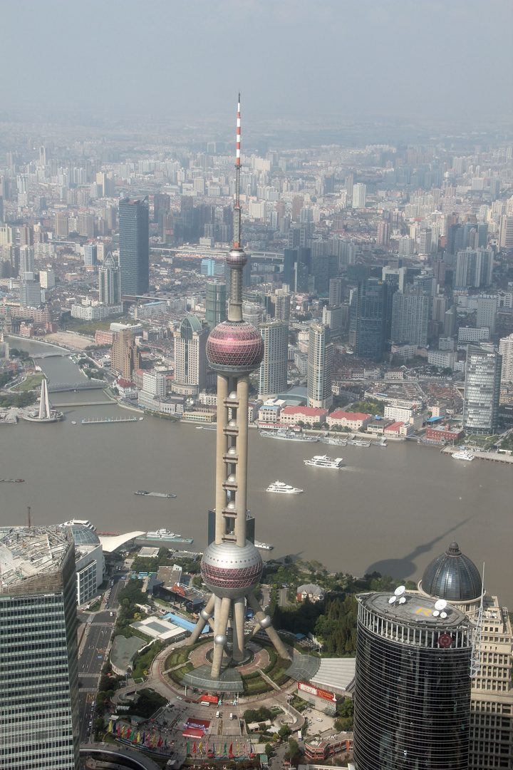 Shanghai - Aussicht vom WFC auf Oriental Pearl Tower