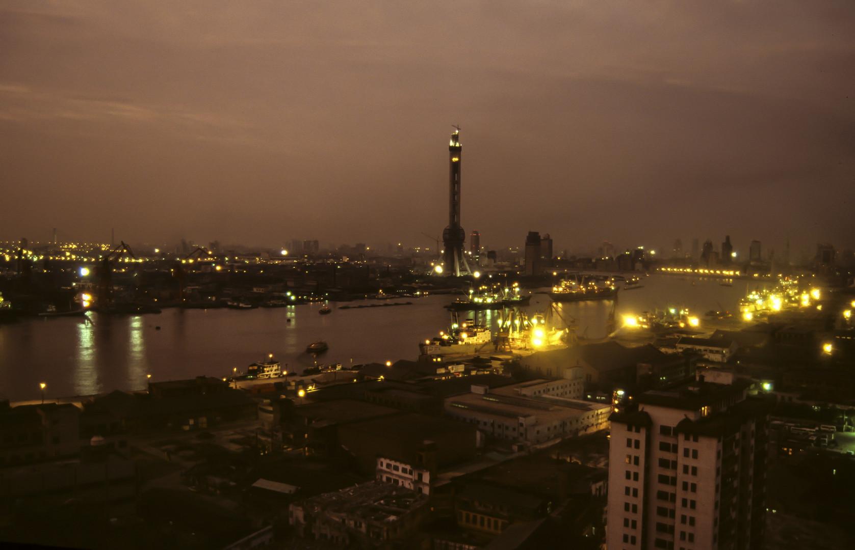 Shanghai mit Blick auf Pudong 1993