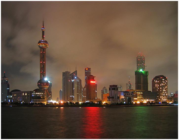 Shanghai - Pundong unter Wolken