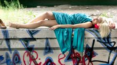 Shari mit Graffities 1