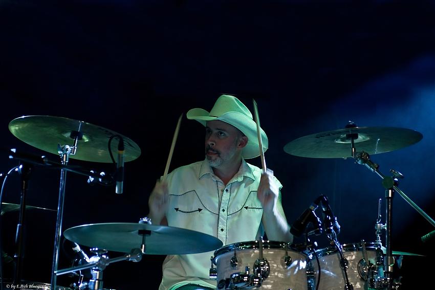 Shark on Drums ;-) II