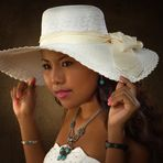 Sherida mit Hut