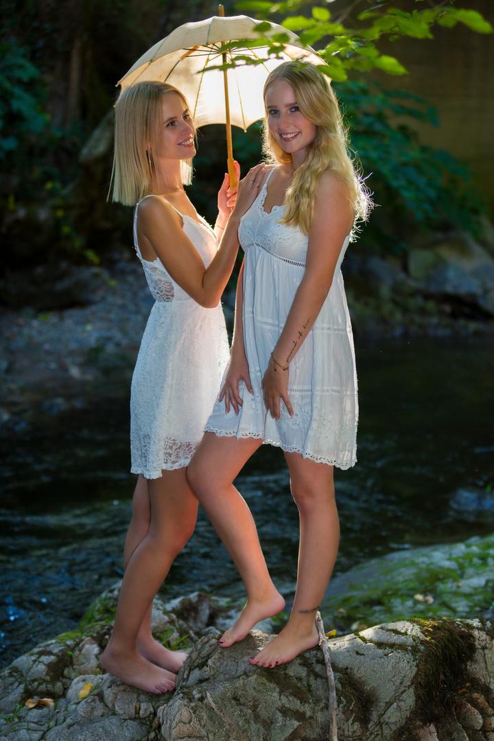 Shooting Hanna & Julia