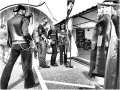 Shopping, Harley Days