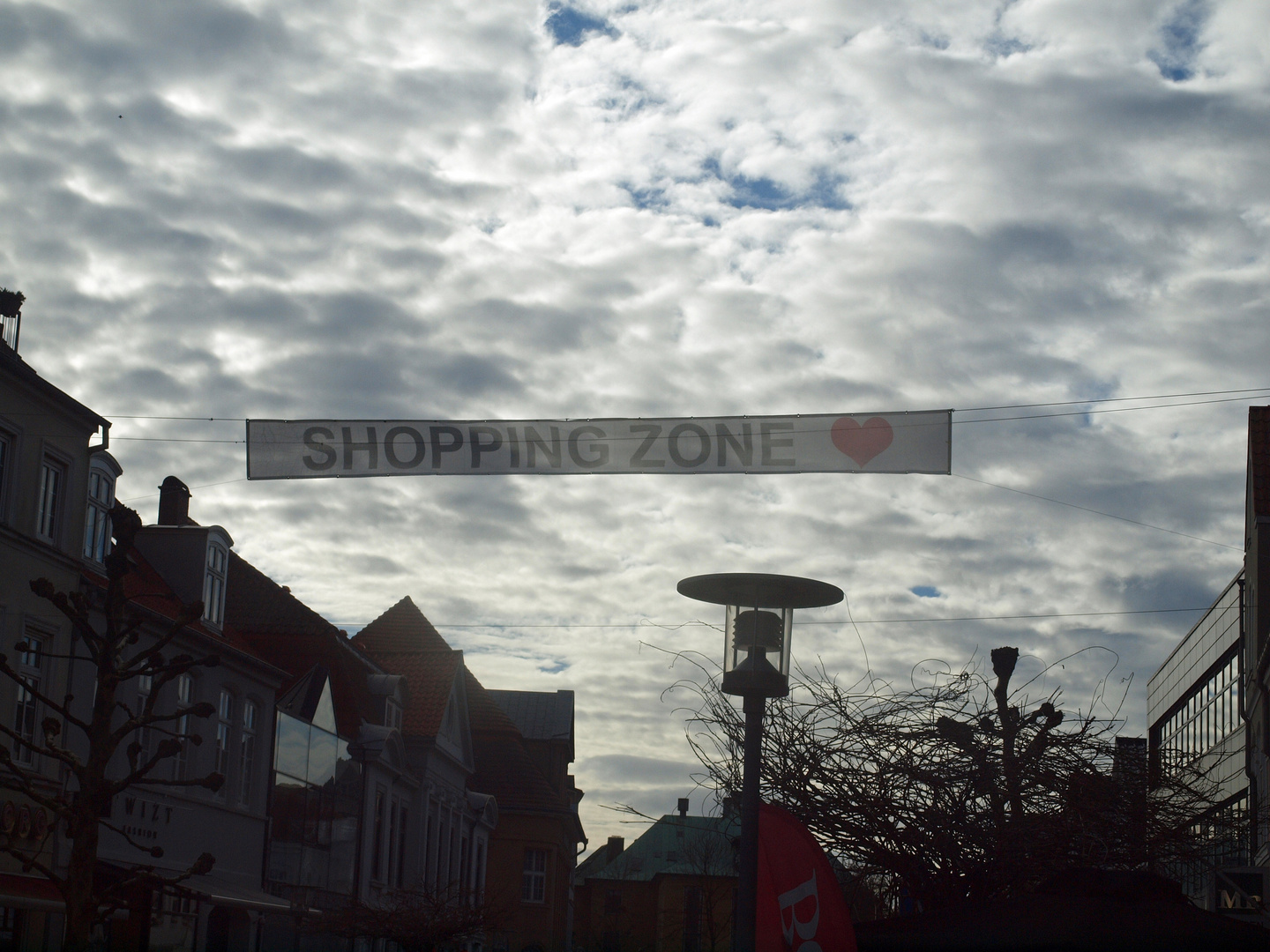 SHOPPING ZONE mit Herz